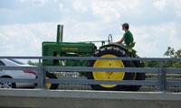 Vintage Tractor (photo: MBM)
